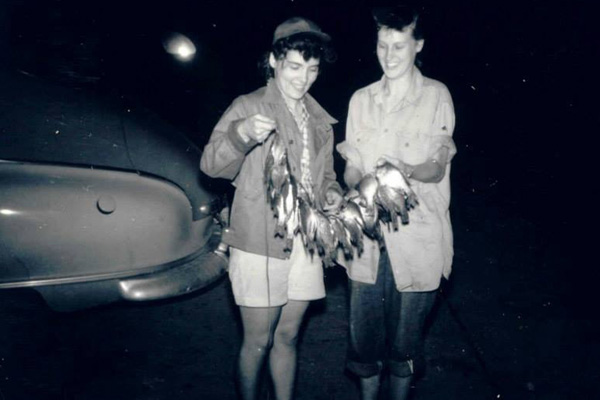 old-photo-of-women-with-fish.jpg